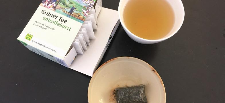 Grüner Tee entcoffeiniert, Salus im Vergleich