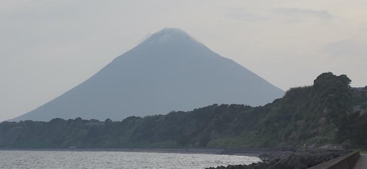 Der imposante Vulkan Mt. Kaimondake am Südost-Zipfel Kagoshimas